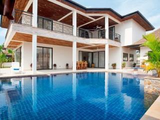 Luxury Pool Villa TOPAZ PATTAYA THAILAND - Jomtien Beach vacation rentals