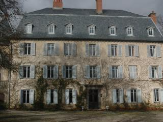CHATEAU DE LUC, BED AND BREAKFAST ACCOMMODATION - Murat vacation rentals