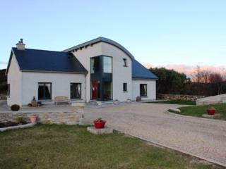 4 bedroom House with Parking in Clifden - Clifden vacation rentals