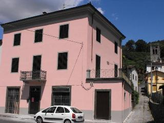In Tuscany typical house near Lucca Pisa Garfagnan - Bagni Di Lucca vacation rentals