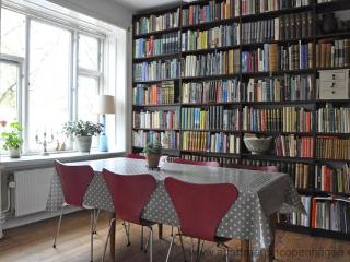 Bjelkes Alle - Little Berlin - 375 - Copenhagen vacation rentals