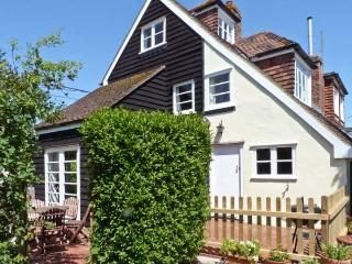 5 FORGE COTTAGES, pet-friendly, character features, woodburner, in Herne, Ref. 10140 - Herne vacation rentals