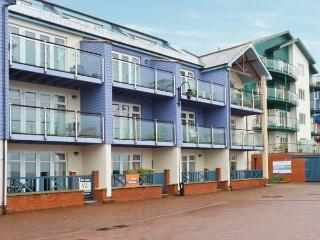 20 MADISON WHARF, first floor apartment, balcony, sea views, parking, in Exmouth, Ref 24057 - Exmouth vacation rentals