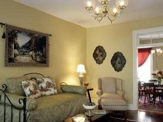 Luxury Living Savannah - Washington Square House - Savannah vacation rentals