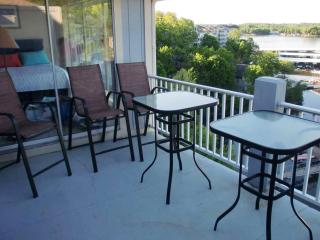 Beautiful Regatta Bay 3 BR Penthouse Townhouse - Lake Ozark vacation rentals