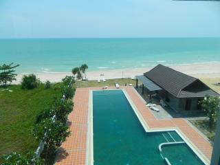 Big condo direct to the beach with amazing view on - Khanom vacation rentals