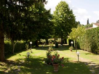Exclusive 4 Bedroom Bed and Breakfast Villa in Florence - Florence vacation rentals