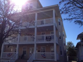 WW 3BEDROOM CONDO 1/1/2BKS TO BEACH AND CONV. CTR - Wildwood vacation rentals