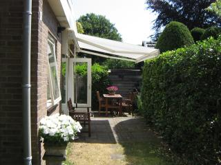 Bergen, very quiet bungalow close to beach and for - Bergen vacation rentals