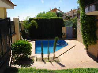 Studio swimming pool, garden, near sea in Valencia - Valencia Province vacation rentals