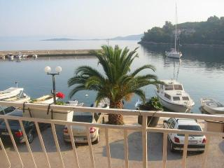 Beautiful 1 bedroom Korcula Condo with Internet Access - Korcula vacation rentals