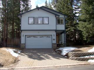 'Mont Tahoe Retreat' - 5 minutes from Heavenly - South Lake Tahoe vacation rentals
