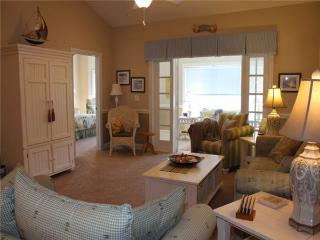 Comfortable 3 bedroom Condo in Garden City - Garden City vacation rentals