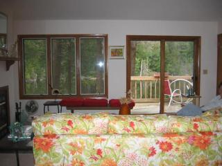 Lovely 2 bedroom Becket House with Deck - Becket vacation rentals