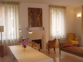Luxury apartment near S. Giovanni in Laterano - Rome vacation rentals