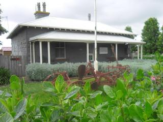 The Cop Shop Historic Police Station C1885 Koroit - Koroit vacation rentals