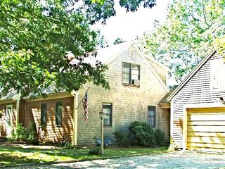 Charming 3 bedroom House in Orleans with Deck - Orleans vacation rentals