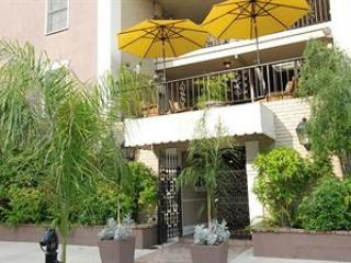Front of resort - New Orleans 2br near French Quarter - New Orleans - rentals