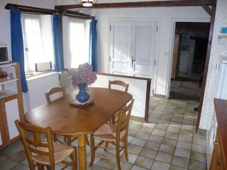 Comfortable 1 bedroom House in Mûrs-Erigné - Mûrs-Erigné vacation rentals