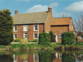 East Farm, Buslingthorpe, Lincoln, LN3 5AQ - Market Rasen vacation rentals