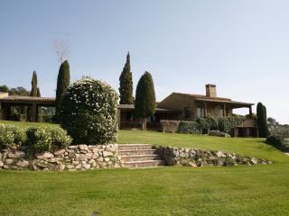 Villa de LUJO - Sant Mori vacation rentals