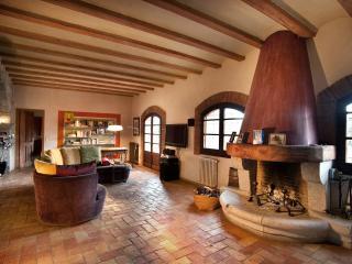 Spacious 5 bedroom Villa in Figueres - Figueres vacation rentals