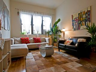 Midtown Palace 2br/2bath Apartment in Manhattan - New York City vacation rentals