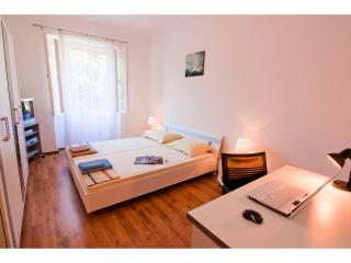 Apartment DUTCH *** - Split vacation rentals