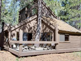 Sleek home w/ private hot tub & SHARC access - dog-friendly! - Sunriver vacation rentals