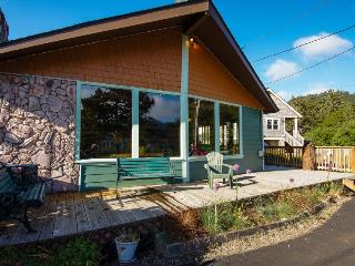Charming vintage house w/ tranquil garden, just two blocks from the beach! - Neskowin vacation rentals