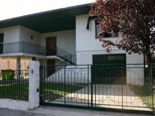 Spacious 4 bedroom B&B in Monselice - Monselice vacation rentals