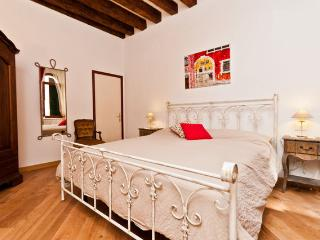 ROMANTIC VENICE  APARTMENT - Venice vacation rentals