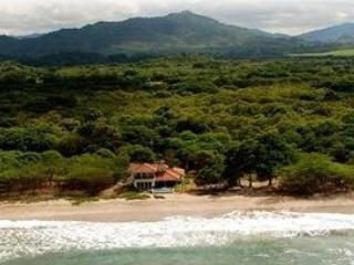Surfers Beachfront Home - Gorgeous Views - Rivas vacation rentals