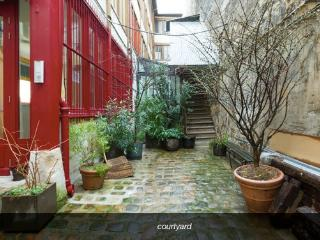 Charmy 2 bedrooms in Paris Bastille - Paris vacation rentals