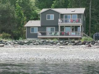 BEACHFRONT HOME w/SUNPORCH FACIN PROTECTION ISLAND - Puget Sound vacation rentals