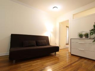 DUPLEX TIMES SQUARE GEM: spacious 3BR on Manhattan - New York City vacation rentals