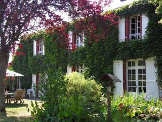 Veï Lou Quéri - Charming B&B in centre of France - Moutier-Malcard vacation rentals