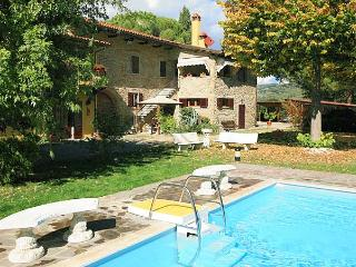 Charming Tuscan villa only 2,5km from AREZZO with heated pool and much comfort - Arezzo vacation rentals