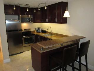 Centrally located US 1 and SE 17th Street - 1/1 - Fort Lauderdale vacation rentals