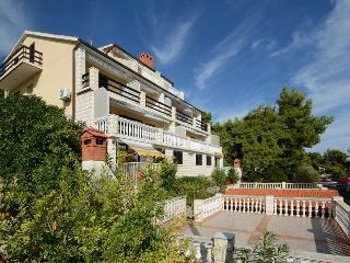 Nice 1 bedroom Apartment in Blato - Blato vacation rentals