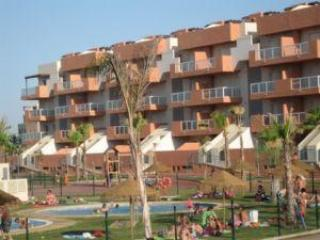 Main Pools area & Bar - Fully equipped 6 berth 3 bedroom en-suite apartmen - Almerimar - rentals