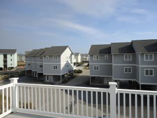 New Horizon located in Surf City on Topsail Island - Surf City vacation rentals