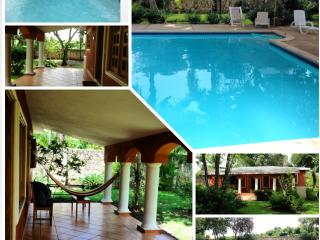 Relaxing, spacious, warm and nice villa Juan Dolio near Guavaberry Golf and Country Club - Juan Dolio vacation rentals