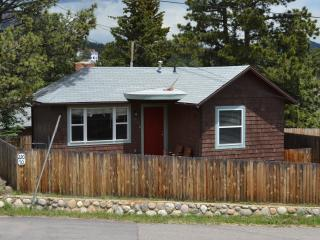 Wapiti Cottage.. a short block to downtown - Estes Park vacation rentals