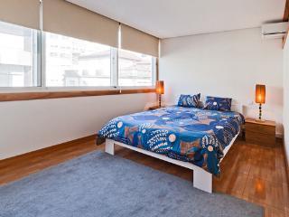 """SANTA CATARINA F""- APART: OPORTO - Porto vacation rentals"
