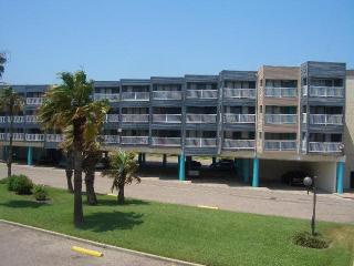Rates lower than a hotel with more amenities - Corpus Christi vacation rentals
