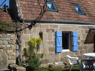 Charming cottage foot-in-the water Perros-Guirec - Brittany vacation rentals