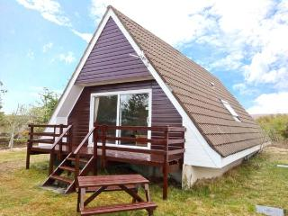 SUIL NA MARA, pet-friendly, fantastic loch views, ground floor accommodation, in Aultbea, Ref: 24560 - Gairloch vacation rentals