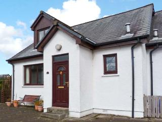 3ANGUS CRESCENT, pet-friendly, great touring base, close to the coast, in Ballachulish, Ref. 5188 - Spean Bridge vacation rentals