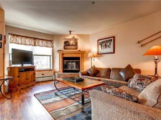 Perfectly Priced Breckenridge 5 Bedroom Ski-in - RE323 - Breckenridge vacation rentals